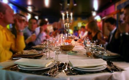 Holiday-Family-Dinner.jpg